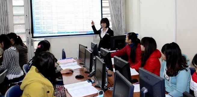 Khóa học kế toán thương mại thực hành chứng từ sống